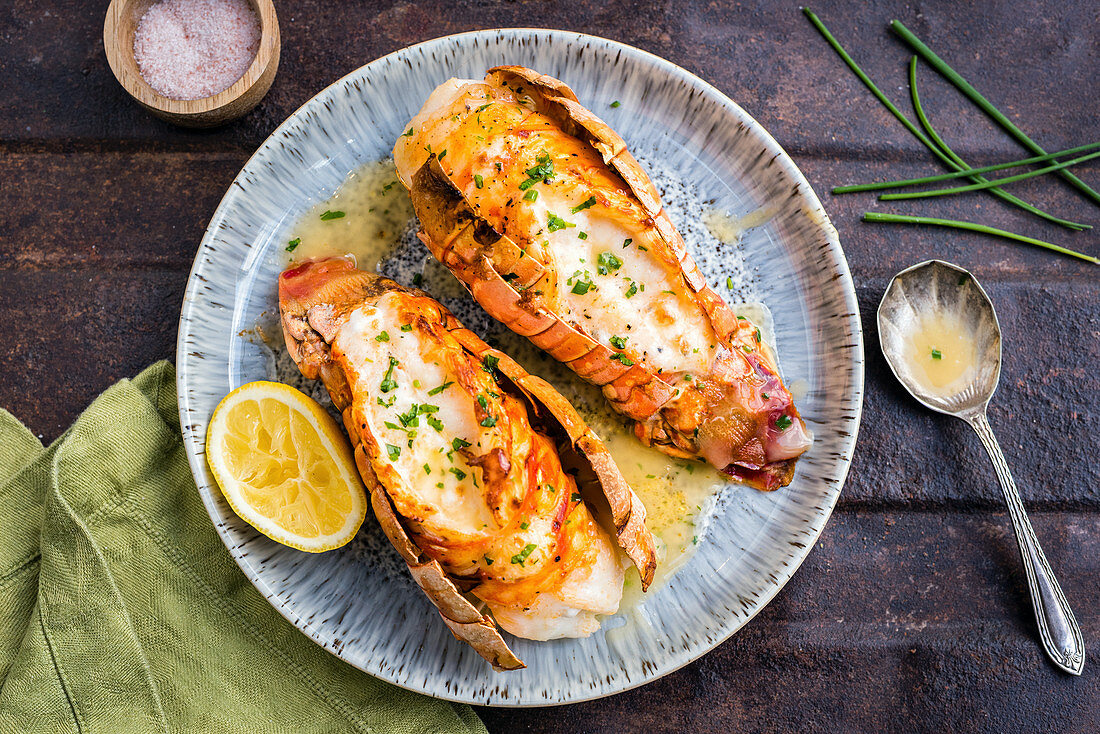 Lobster tails with lemon sauce