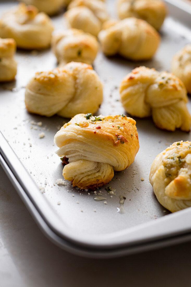 Garlic knots (Close Up)