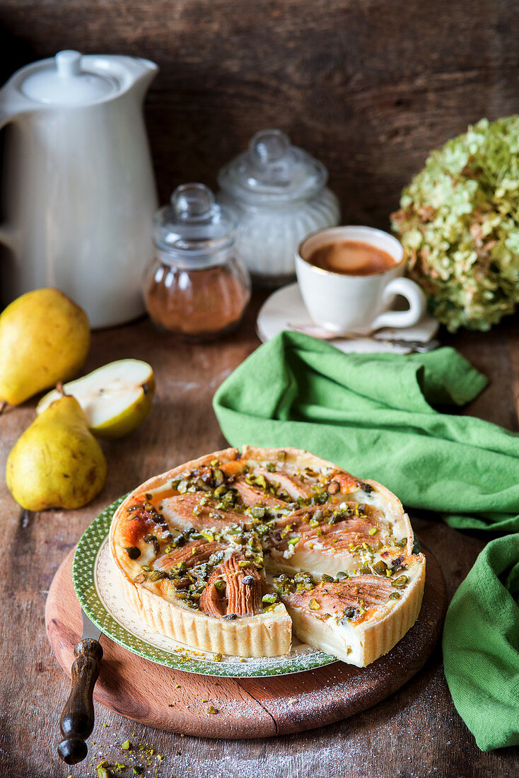 Pear cake with pistachios