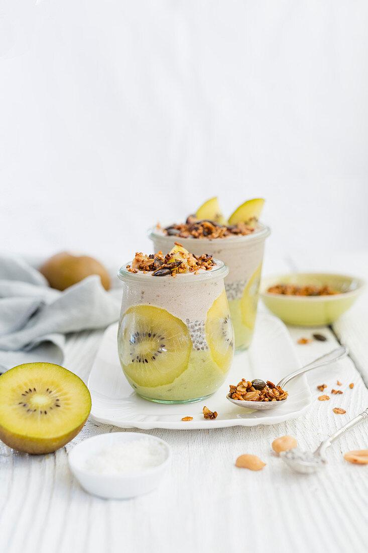Kiwi ice cream desserts with chia seeds (gluten-free and vegan)