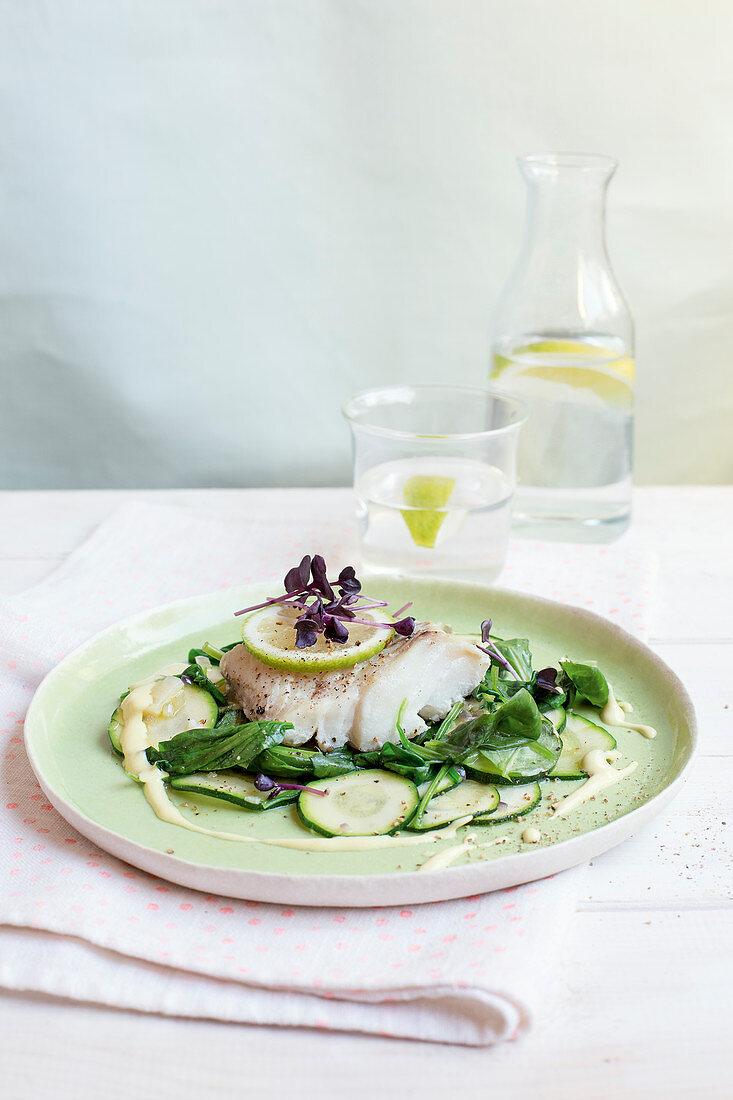 Cod fillet with spinach in a mustard sauce