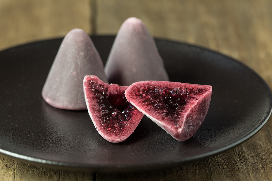 Cuberdon (cone shaped Belgian raspberry sweets)