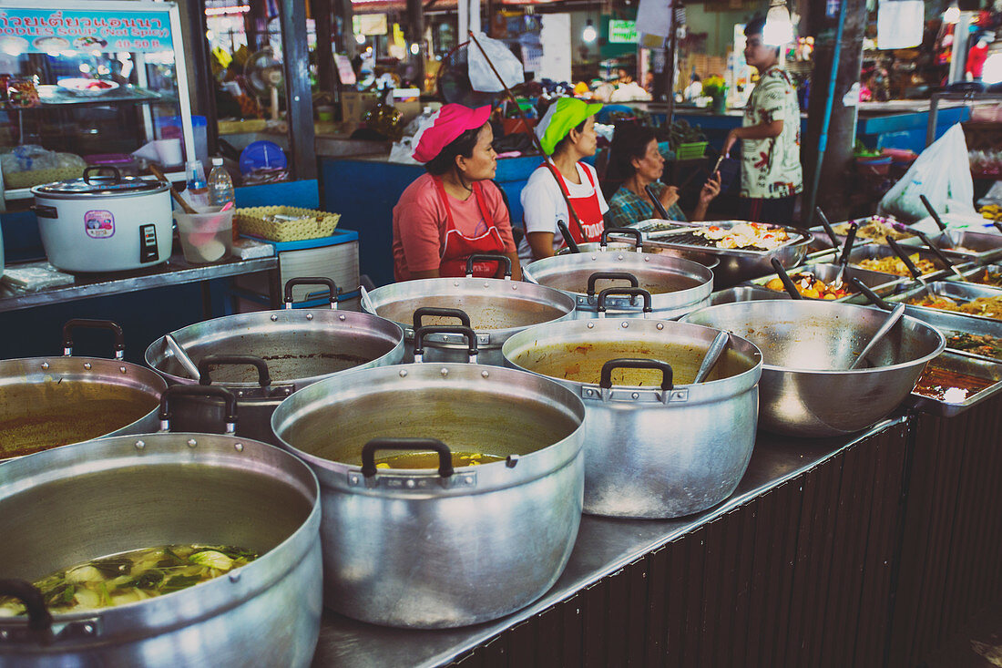 A food market in Ban Lamai (Thailand)