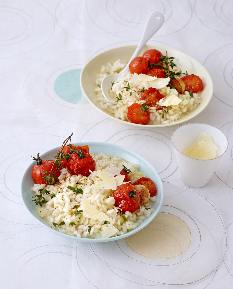 Low-calorie risotto with braised tomatoes, thyme and Parmesan shavings