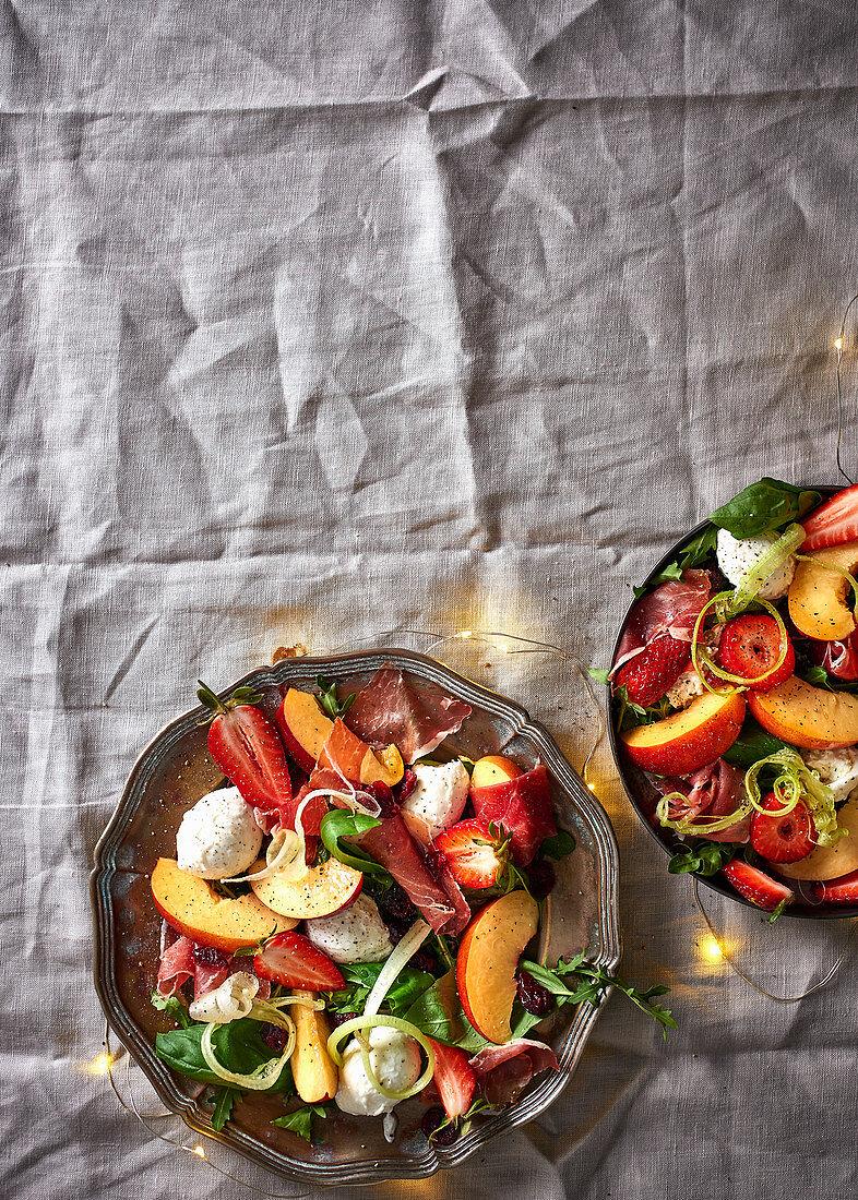 Nectarine salad with mozzarella and Parma ham