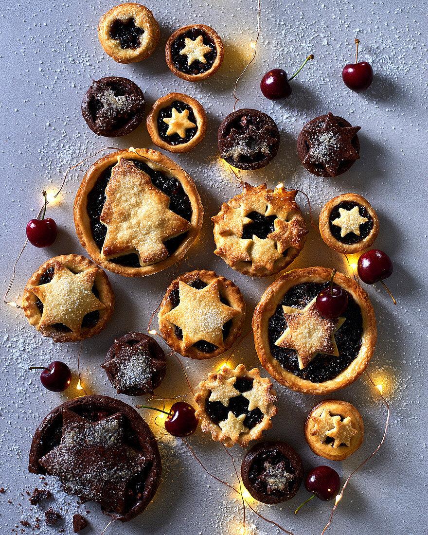 Light and dark mince pies