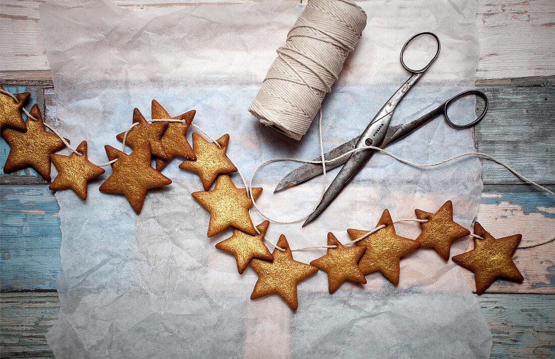 Gingerbread cookies decorated with gold dust