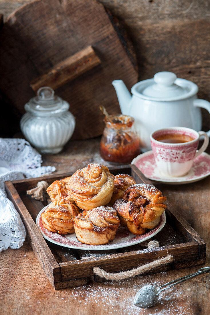 Swirl buns with jam