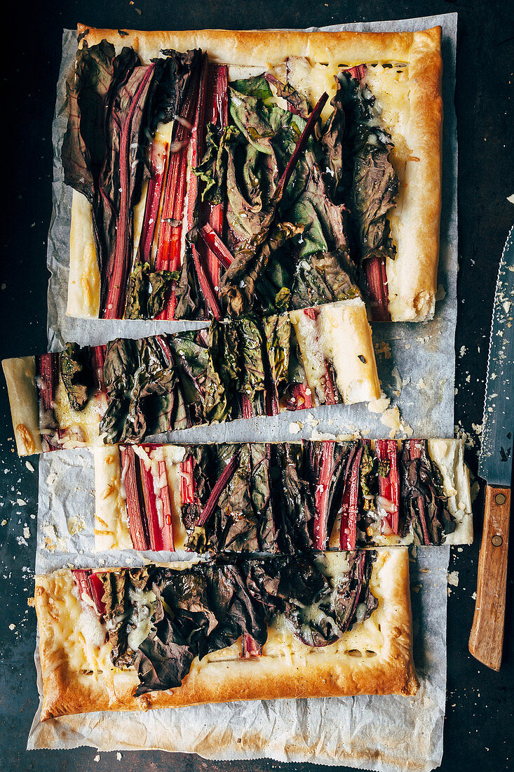 Purple chard, purple vegetables, puff pastry, grated cheese, olive oil