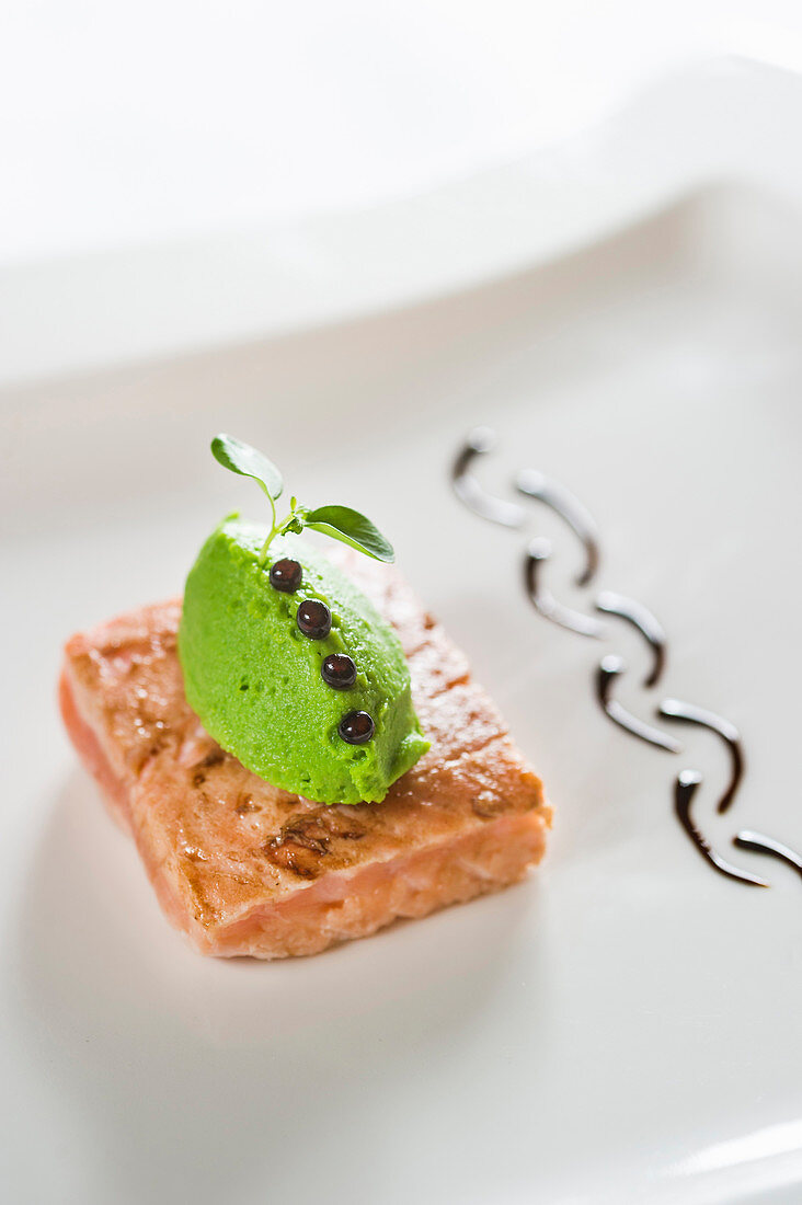 Marinated salmon with green tea cream and liquorice