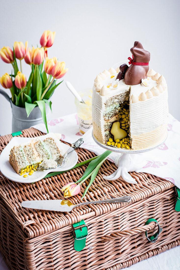 Poppyseed and lemon layer cake of Easter, sliced