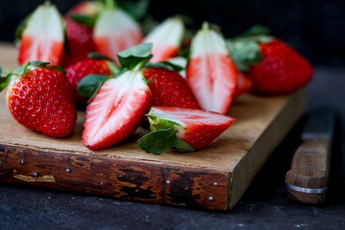 Strawberries on chopping board