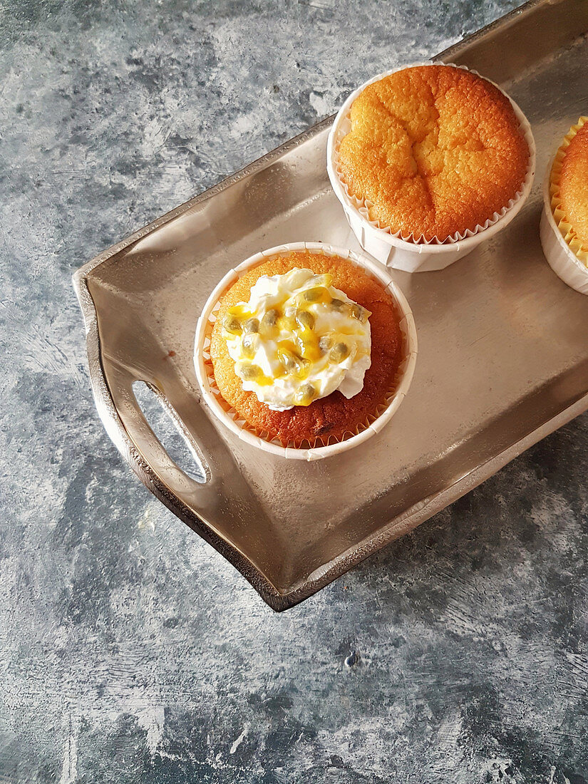 Cupcakes with passion fruit