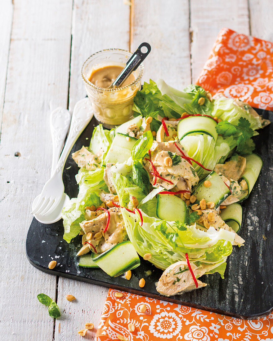 Chicken and zucchini salad with peanuts