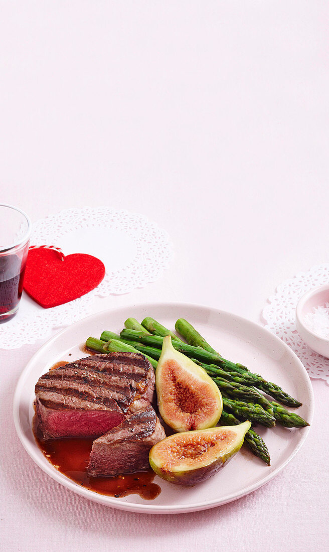 Beef eye fillet with red wine jus