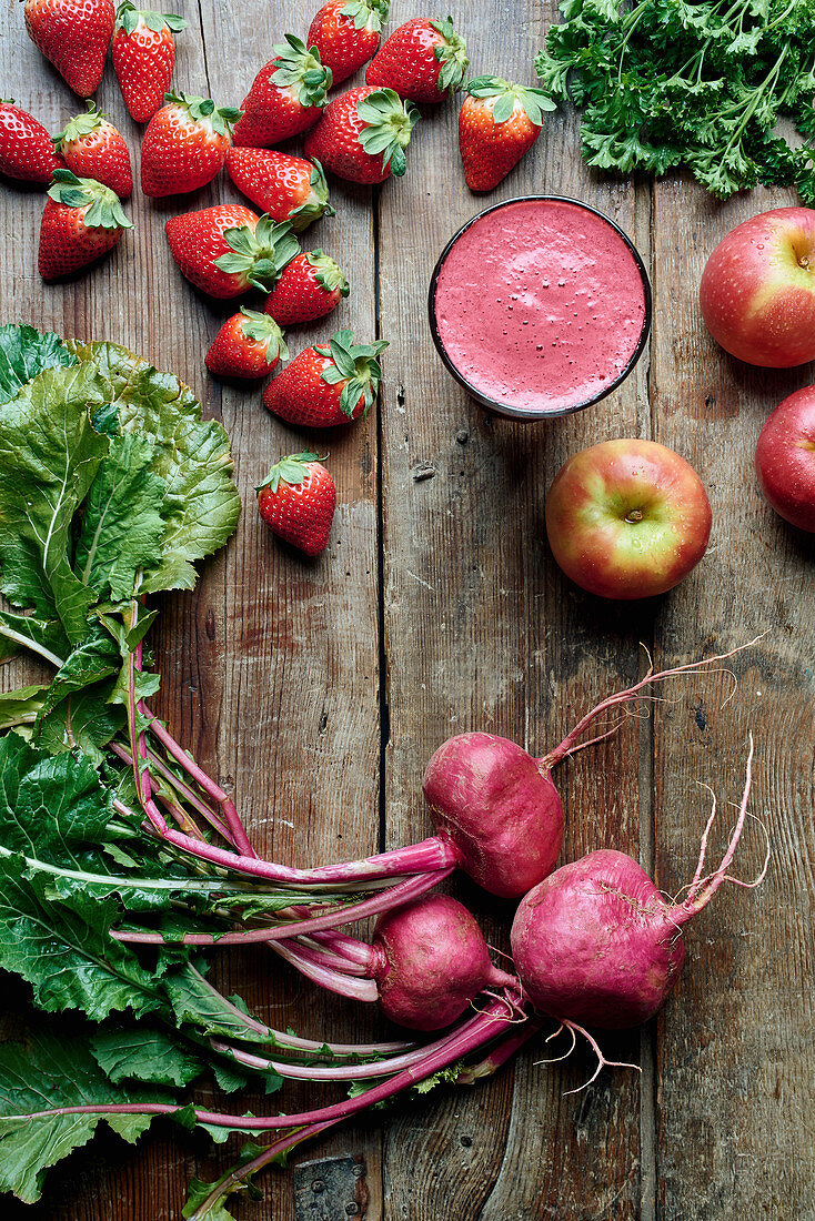 Fresh detox juice with strawberries, apples and beetroot