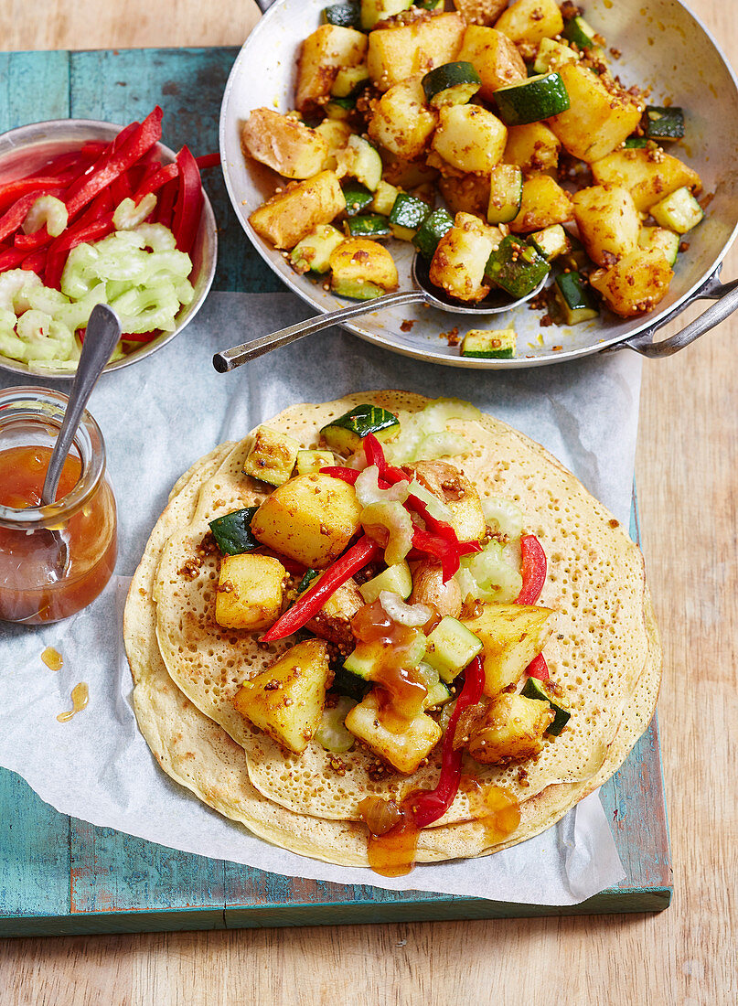Masala dosa with crunchy apple salad