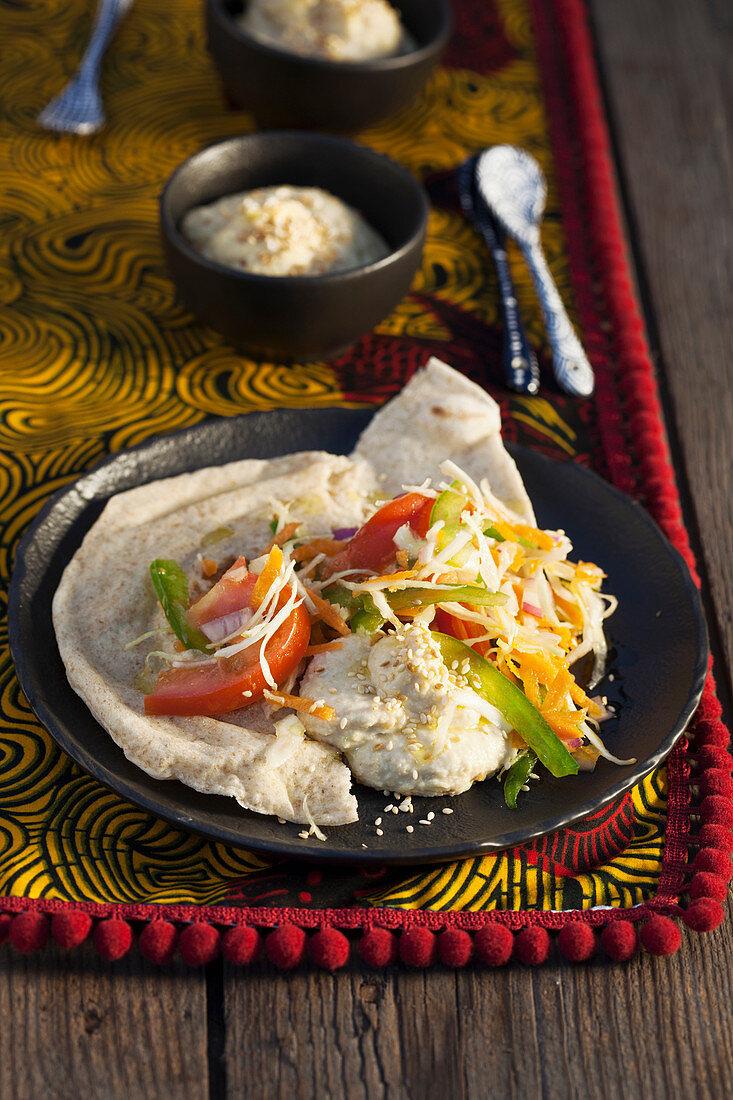 Kichererbsencreme und Gemüsesalat (Kenia, Afrika)