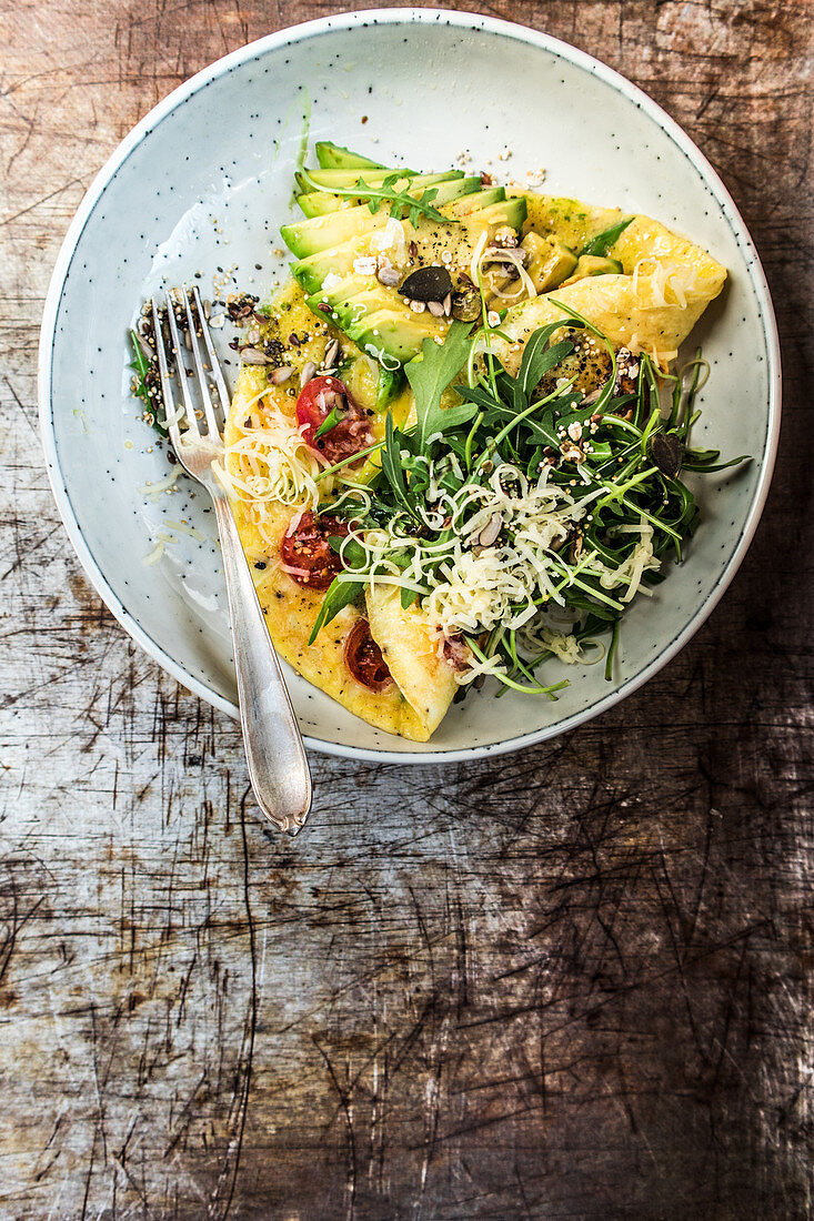 Cheese omelette with avocado (low carb)