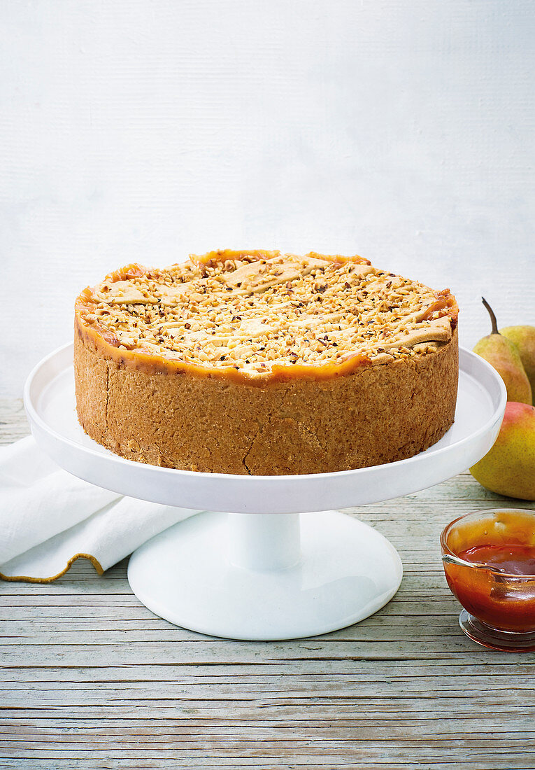Rose hip and pear cake