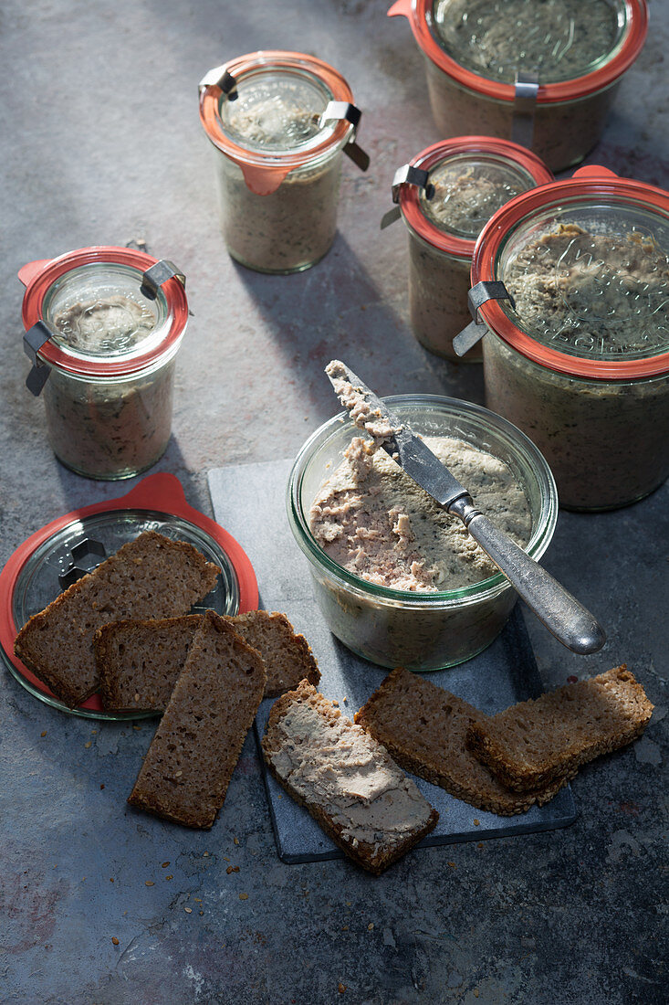 Homemade rabbit liver pâté with mace and marjoram