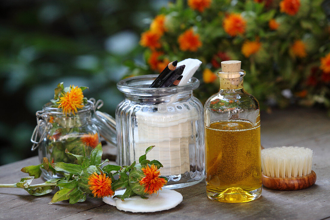 Flavoured thistle oil as bath essence and cosmetic oil