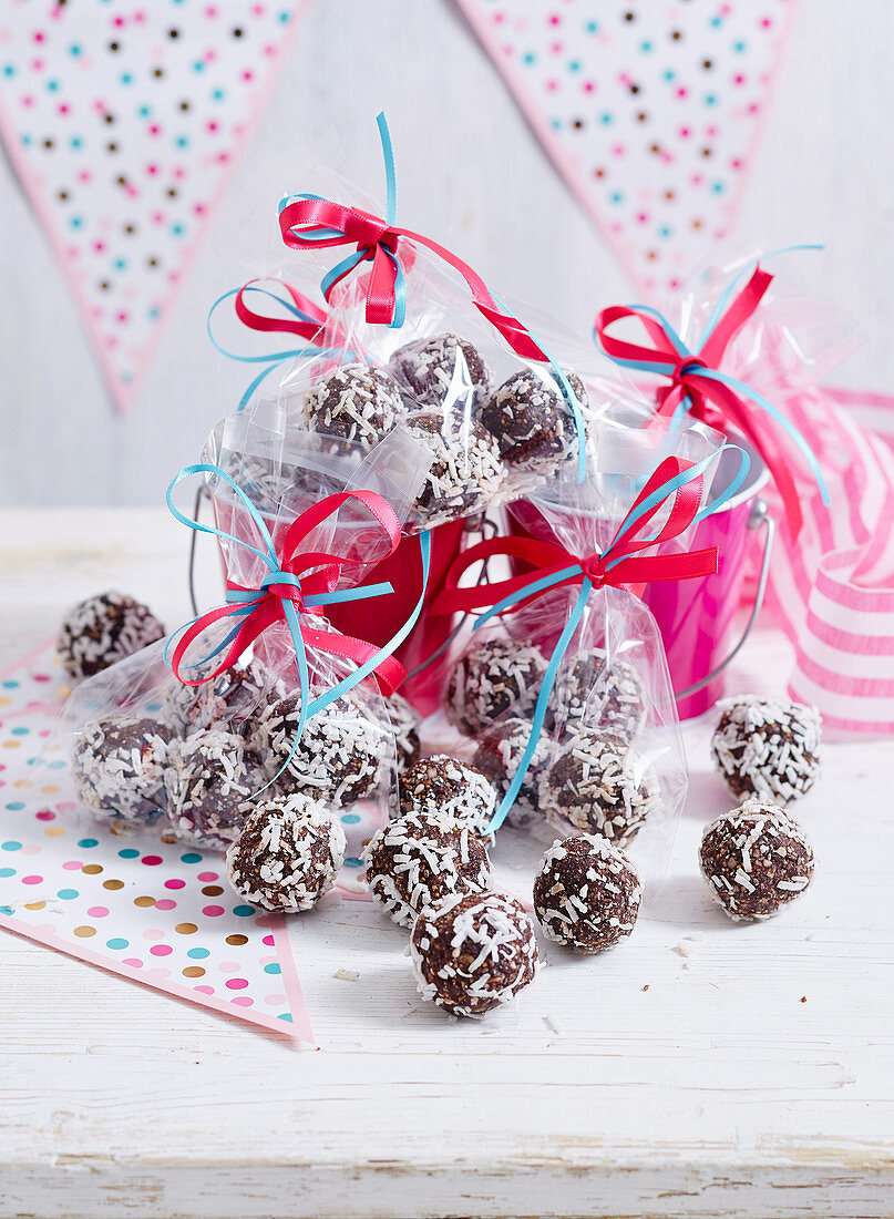 Choc, Chia and Sunflower Seed Bliss Balls