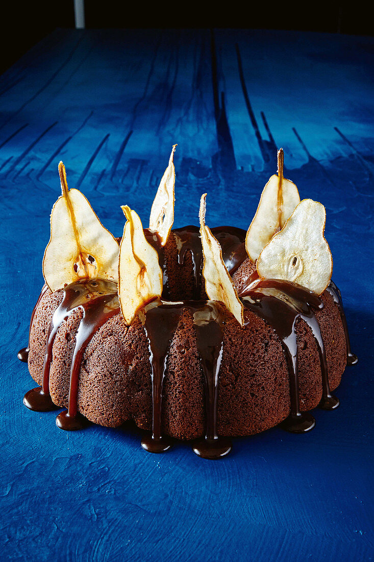 Spiced pear and molasses bundt cake