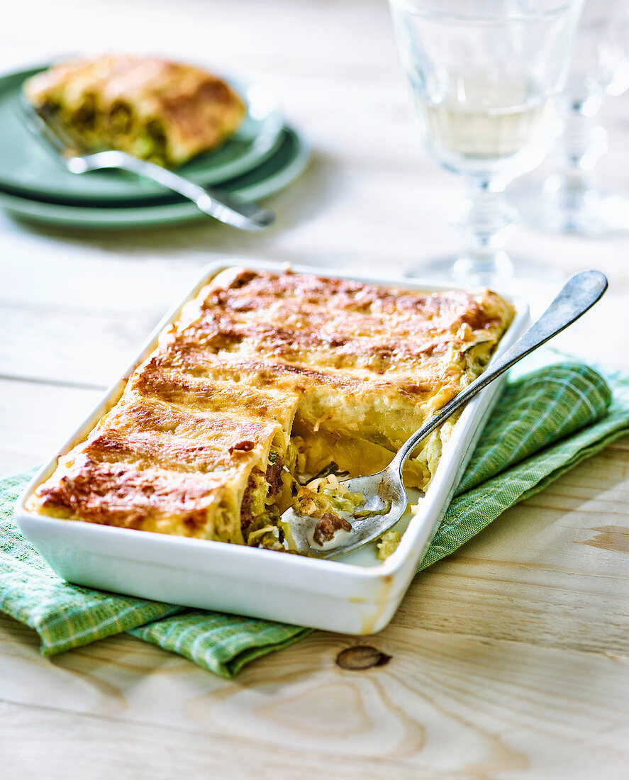 Cannelloni filled with savoy cabbage