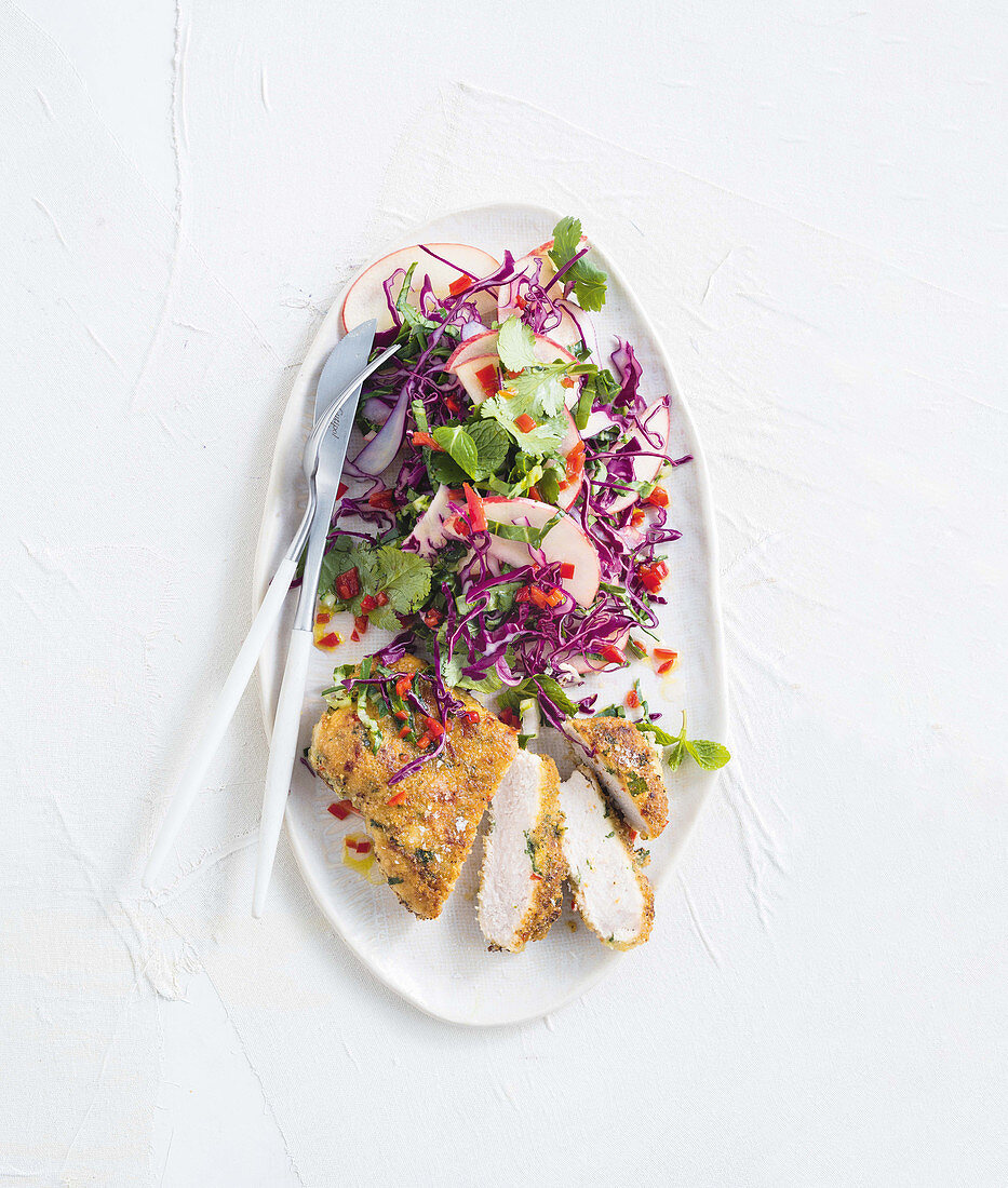 Almond-crumbed pork with asian slaw (Low Carb)