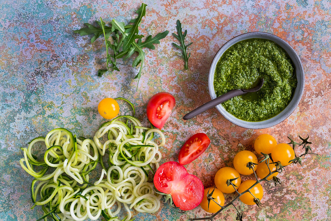 Vegetables for zucchini pasta with rocket pesto