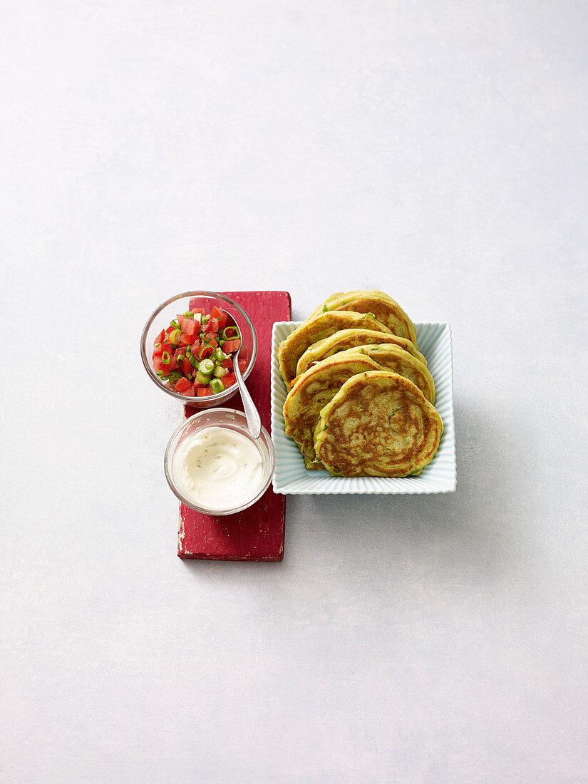 Avocado-Pancakes mit Limetten-Sour-Cream