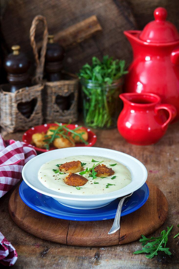 Potato and topinambur soup