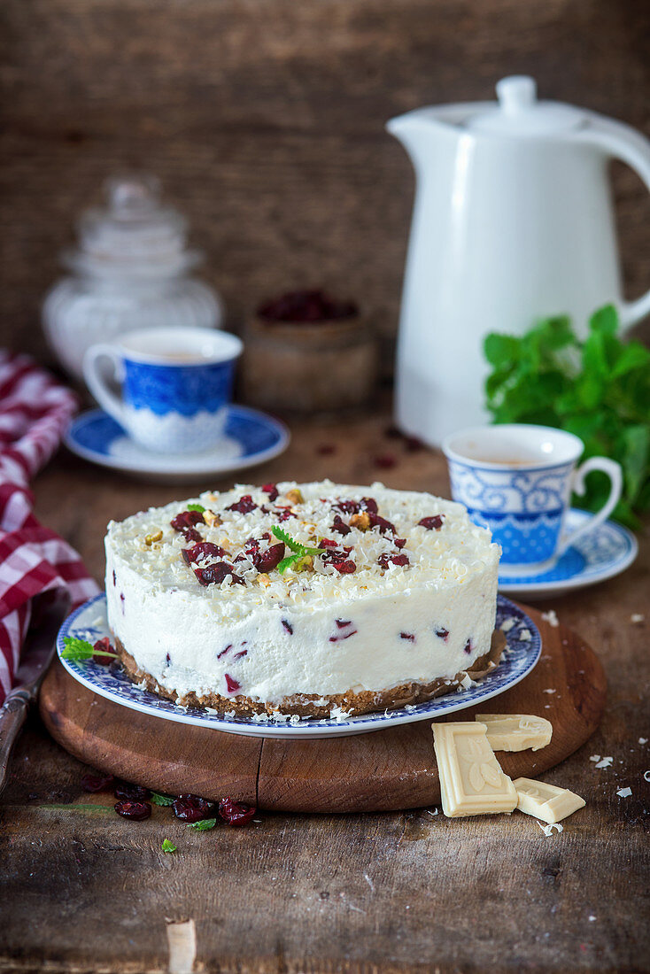 White chocolate no bake cheesecake with dried cranberries