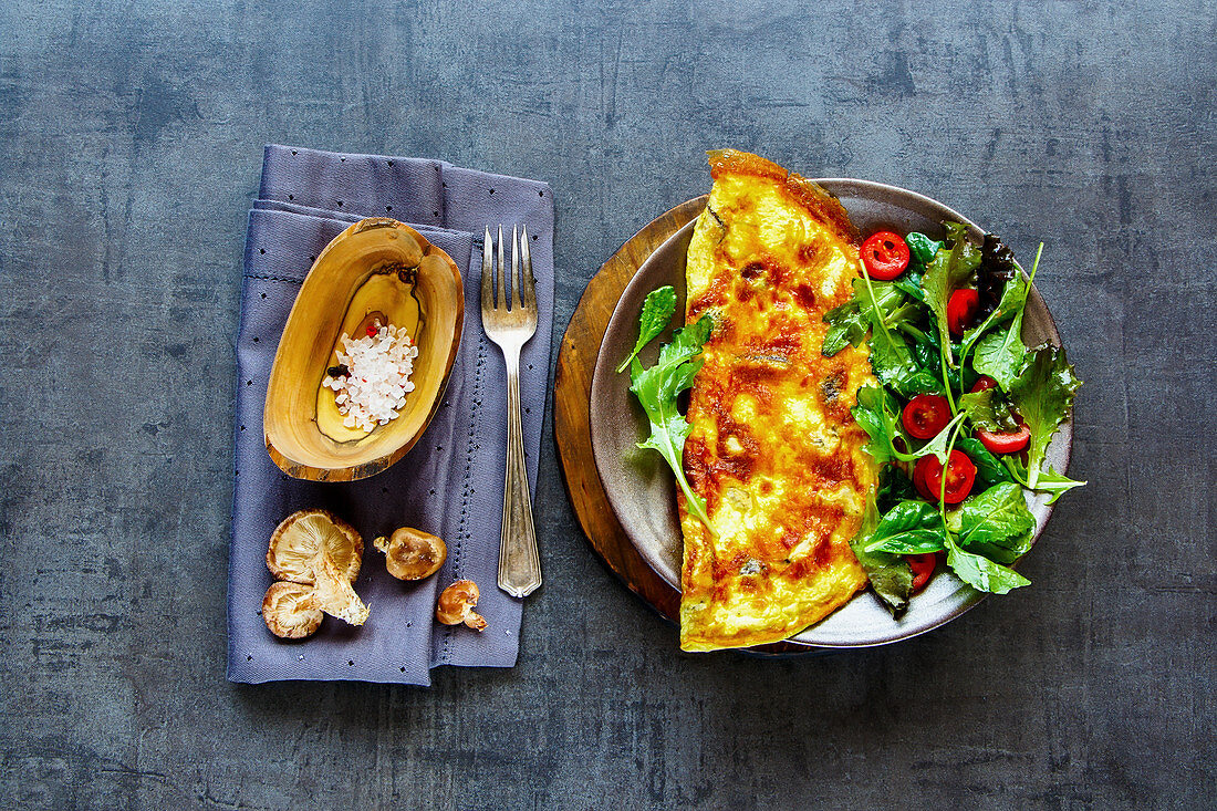 A mushroom omelette with a side salad (gluten-free)