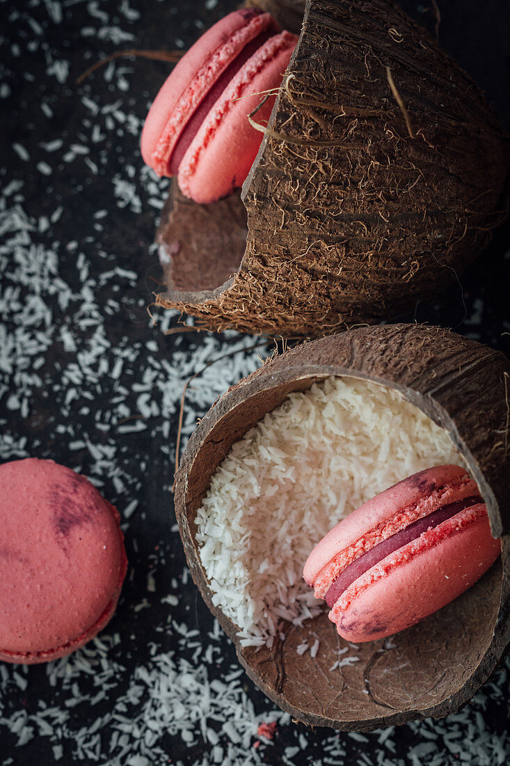 Raspberry macaroons with grated coconut