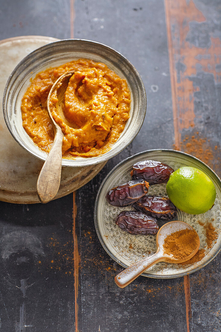 Sweet potato and coconut spread with dates (vegan)