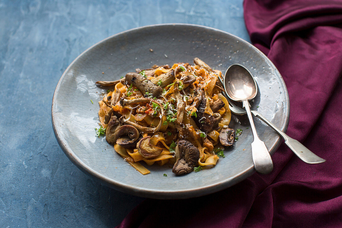 Tagliatelle with a sauce of pork mince, garlic, chilli, wildmuchrooms and two tyles of cheese (Parmisan and chedder) with fresh parsley