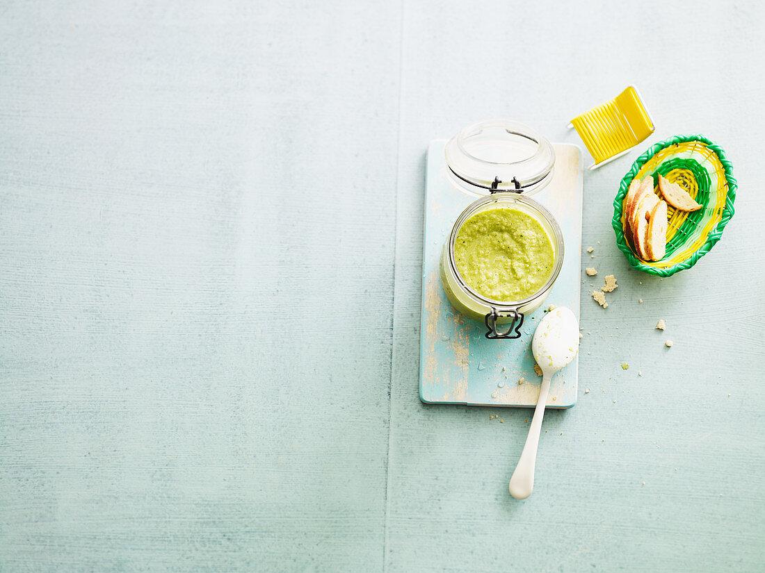 Green gazpacho to take away