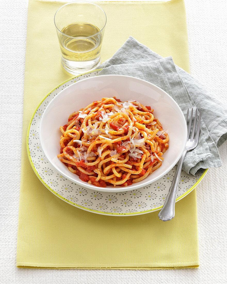 Pici all'aglione (noodles with garlic, tomato sauce and Pecorino, Italy)
