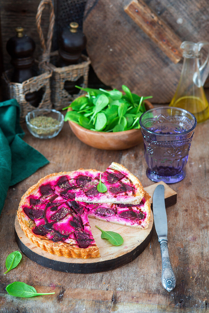 Feta and beetroot pie