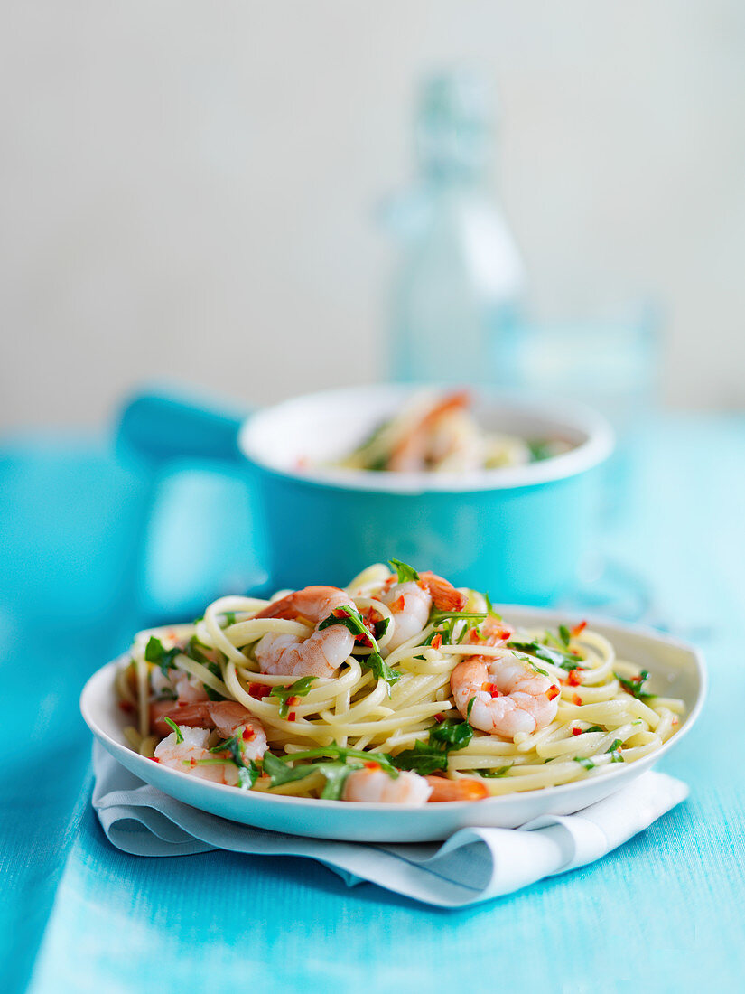 Linguine with shrimp, chili and herbs