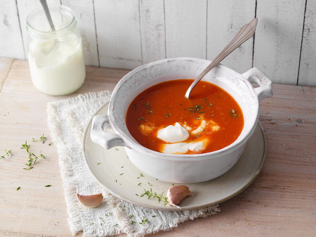 Tomato soup with crème fraîche (low carb)