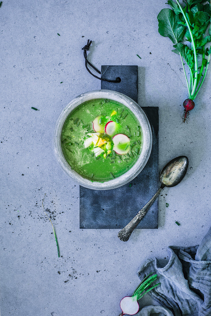 Spinach and radish soup