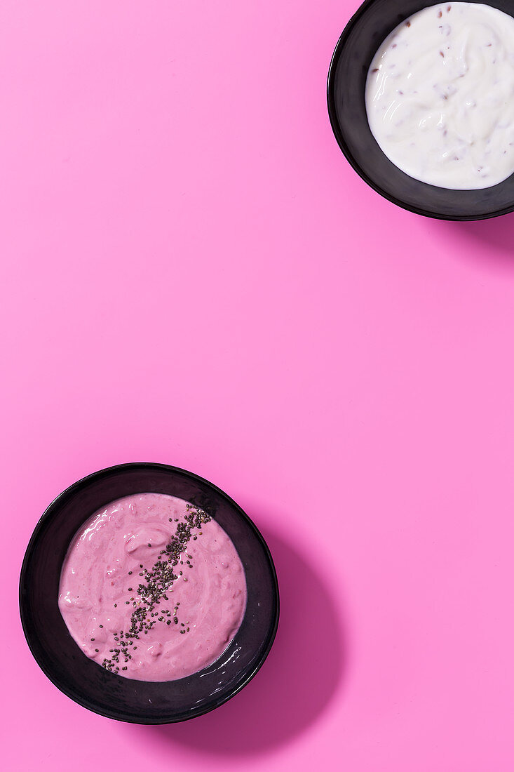 Quark with flaxseed oil and raspberry breakfast cream