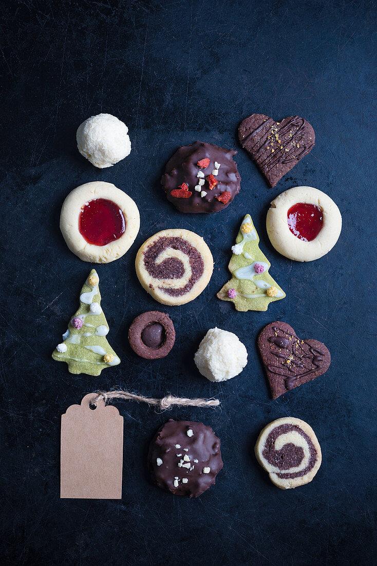 Various vegan christmas cookies