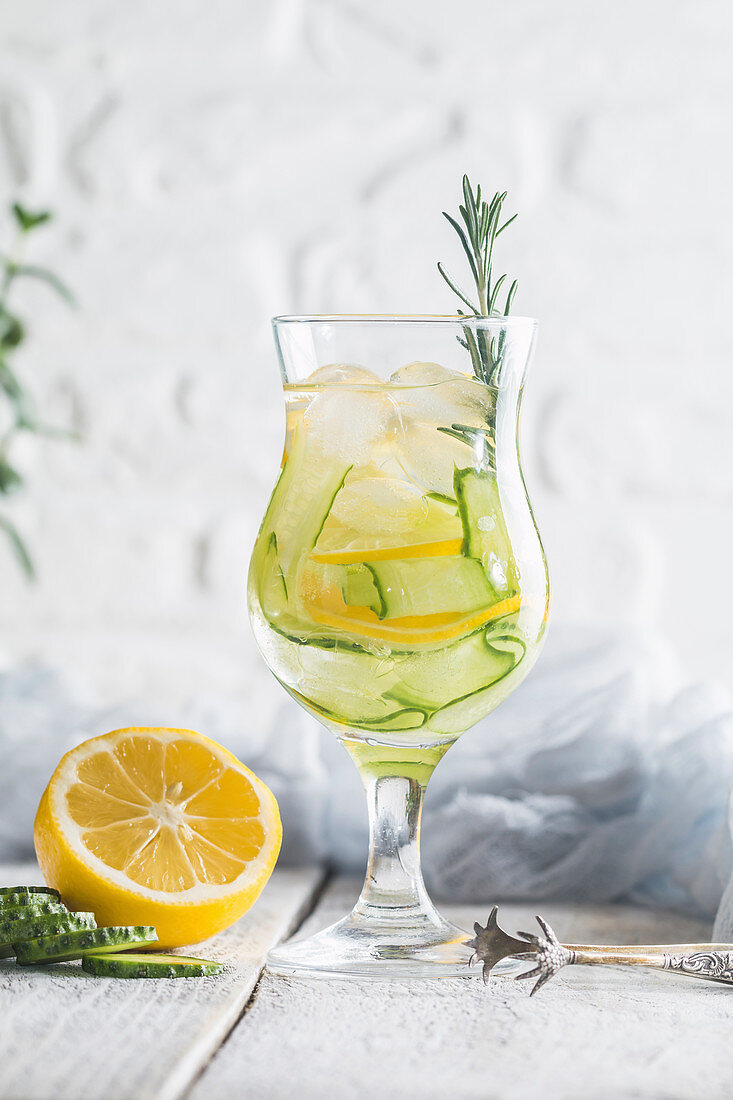 Cold and refreshing detox water with lemon and cucumber