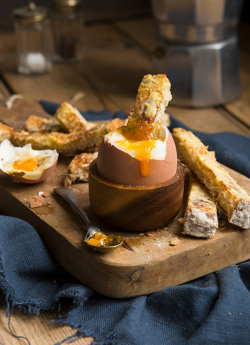 Soft boiled dippy egg and soldiers