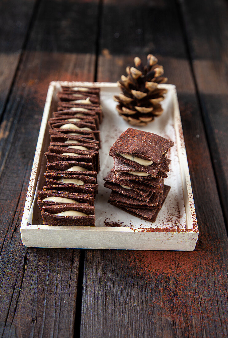 Cocoa crackers with whipped cashew butter