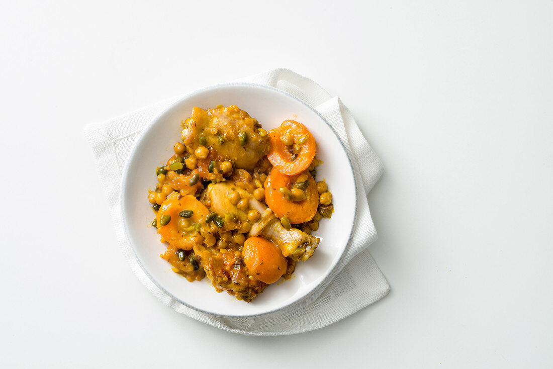 Chicken tagine with apricots and chickpeas